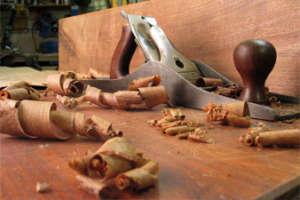 Holzpuppen in Handarbeit